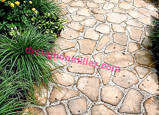 Do-it-yourself paving slabs: parsing the process from kneading to drying